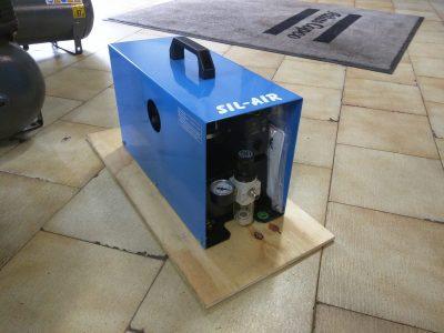 Compressore Super Silenziato Sil-Air da 0,13 Kw idoneo per aerografi e per artigiani-orologiai